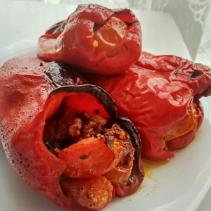 Полнети црвени пиперки (хроно)