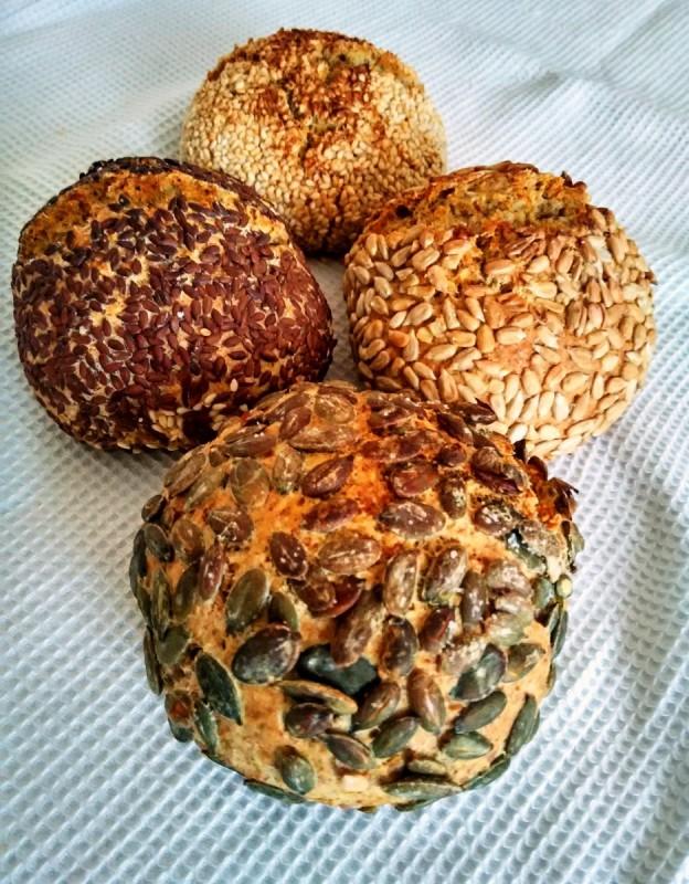 Интегрални лепињи со семиња