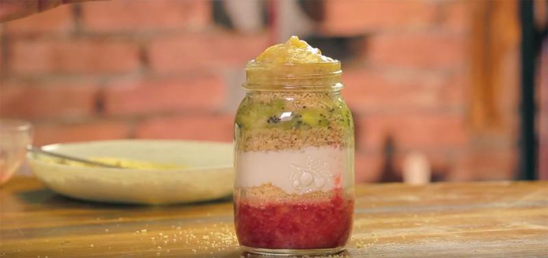 Видео рецепт: Здрав и декоративен десерт