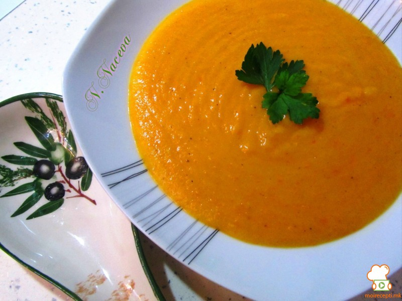 Крем супа од компири и моркови (посно)