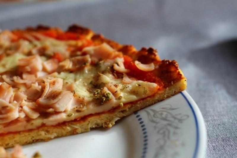 Пица со тесто од карфиол