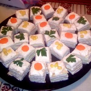 Солена торта од обланда со фил од изварка и кисела павлака