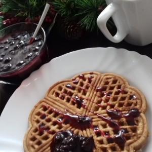 Интегрални вафли со џем од аронија (без шеќер)