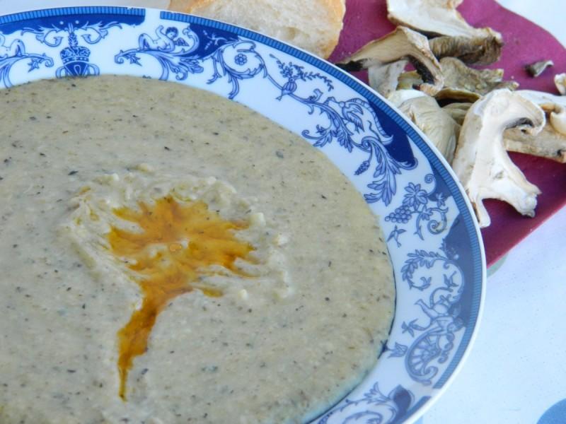 Чорба со суви печурки (посно)