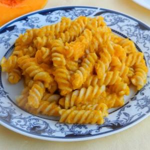 Тестенини со сос од тиква (посно)