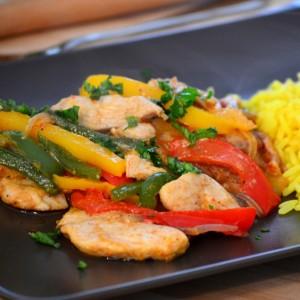 Фахита тава со пилешко месо