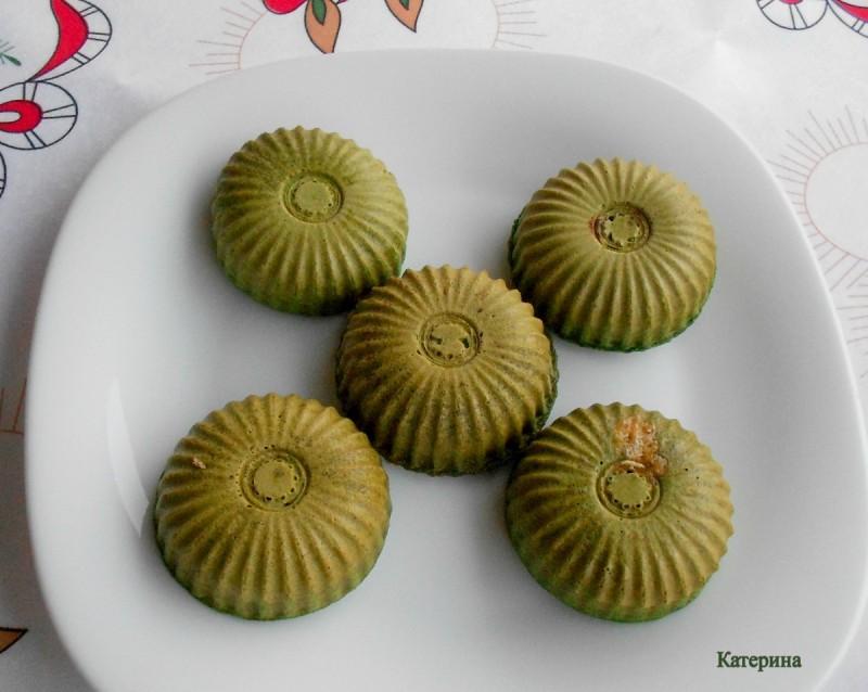Зелени мафинчиња во апарат 4 во 1