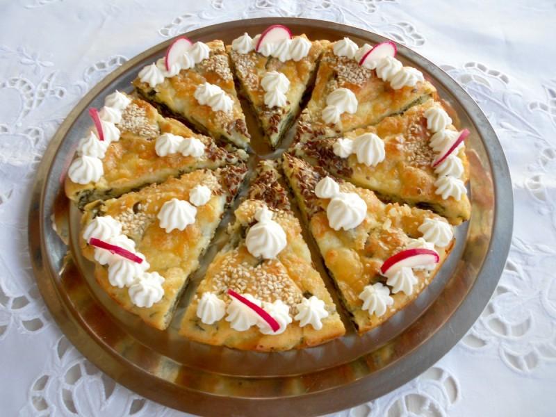 Солена торта со спанаќ и моцарела