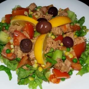 Брза посна салата со туна