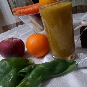 Смути со моркови и спанаќ