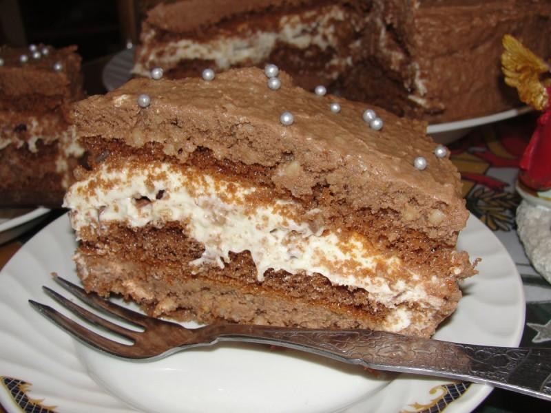 Божиќна торта со кикирики