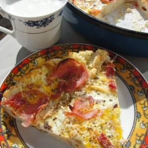 Млечна пица од сув леб