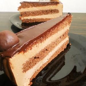 Чоколадна торта со кафе
