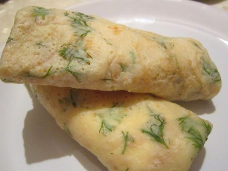 Палачинки со копар, крем сирење и димен лосос (Божиќен календар 05)