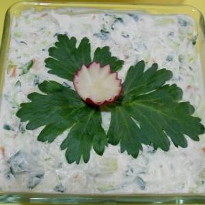 Целер салата со компир и праз