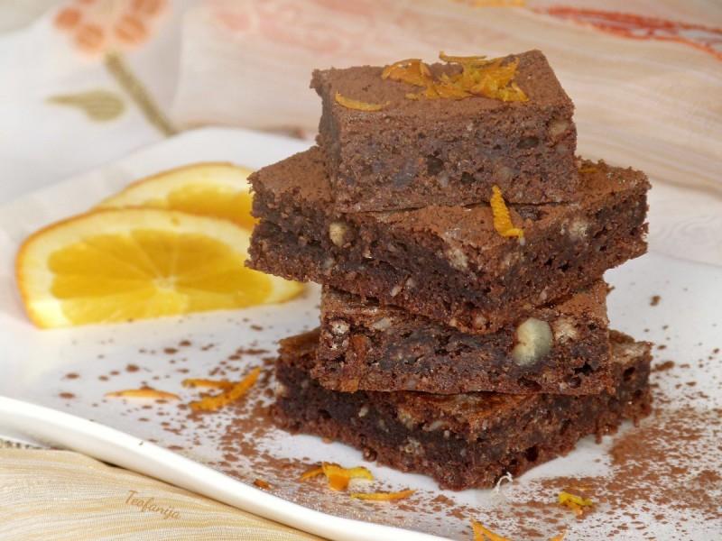 Чоколаден колач без брашно и шеќер (хроно)