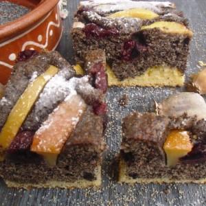 Овошен колач со афион