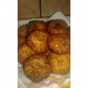 Плескавици со компир и брокула
