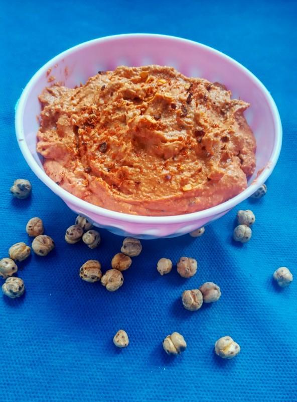 Намаз од фета, леблебија и доматно пире (хроно)