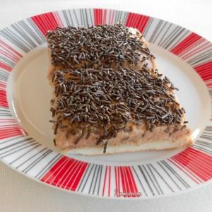 Крем колач со лешници