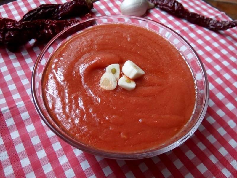Макало од компири и суви пиперки (посно)