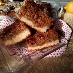 Експресна слатка пита со ореви (без миксер)