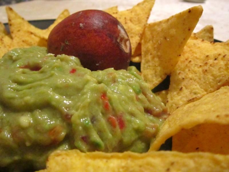 Намаз од авокадо - Гвакамоле (посно)