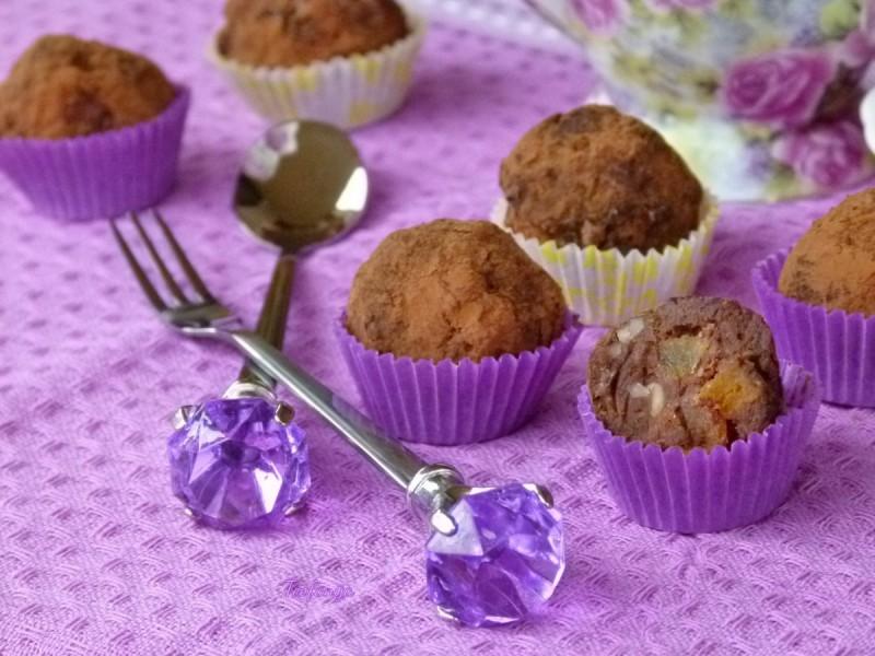 Тартуфи со суви кајсии и бадеми (хроно, truffles)