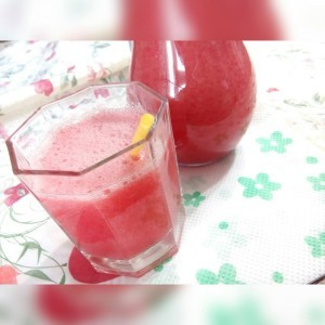 Освежителен пијалок од јагоди и лимон