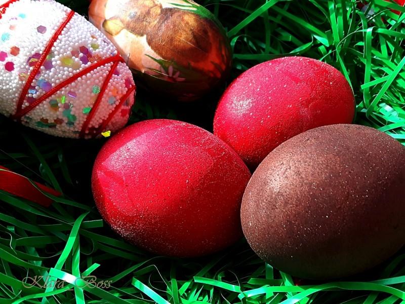 Боење на јајца со вино