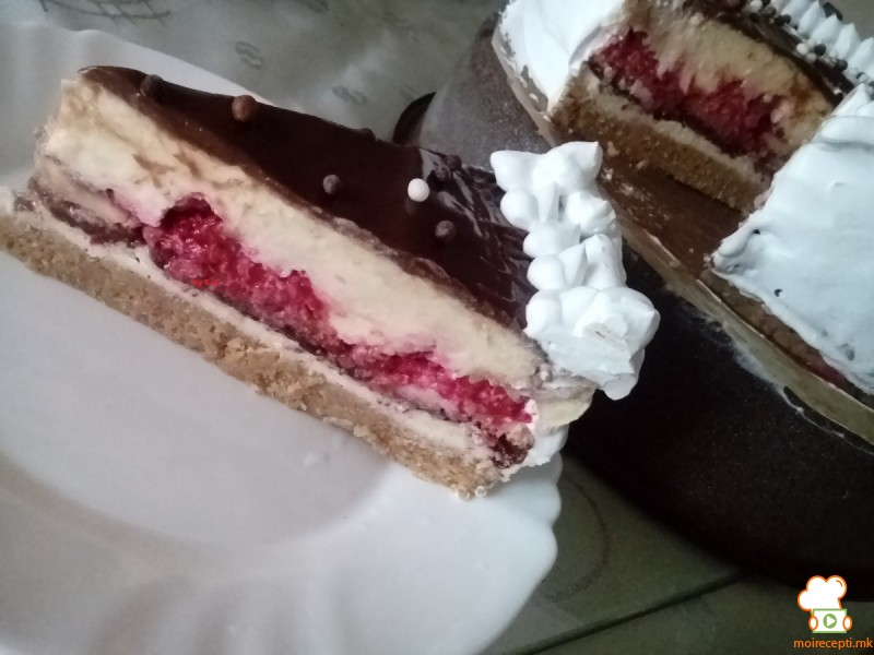 Овошна торта (без печење)