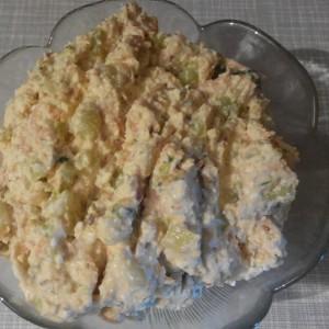 Крем салата со урда и свежи краставици