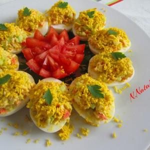 Полнети јајца со краставица и сурими стапчиња