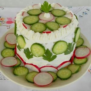 Празнична солена торта