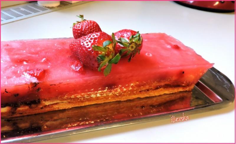 Ледена торта од лиснато тесто