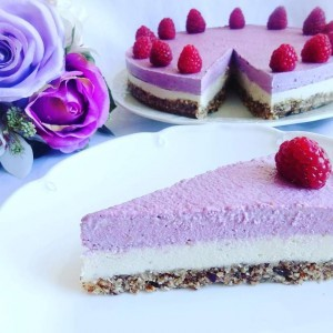 Торта со малини (веган, сурово)