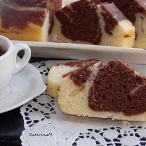 Брз двобоен колач со какао и рогач (посно)
