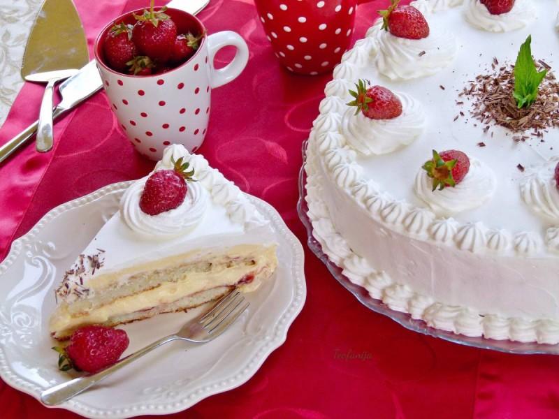 Примавера - крем торта со џем од јагоди