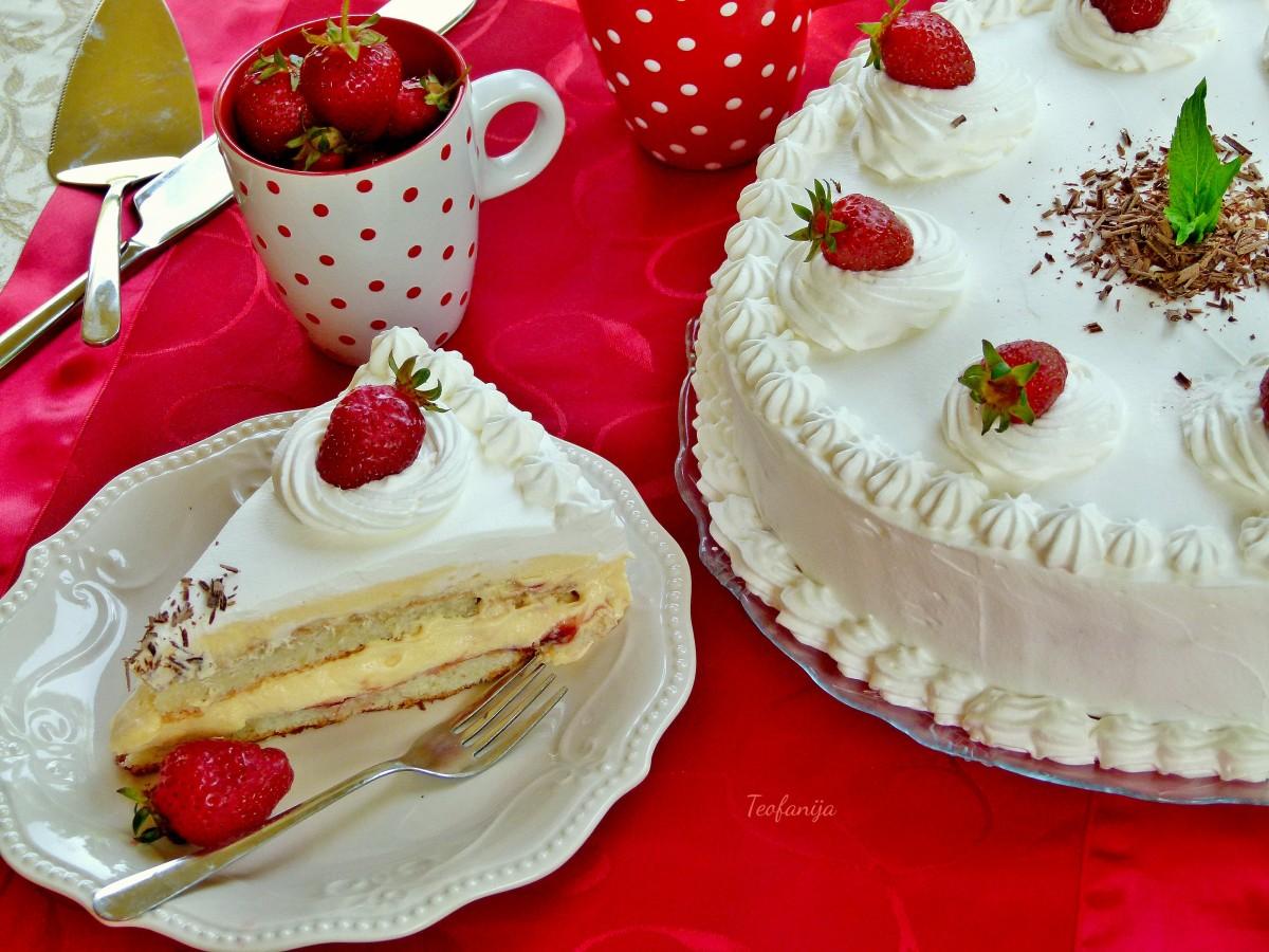 Примавера   крем торта со слатко од јагоди