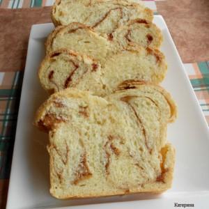 Цимет плетенка со путер и пире од јаболко
