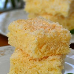 Брз колач со кокос и матеница