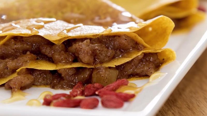 Видео рецепт: Палачинки со јаболка и цимет