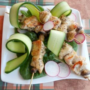 Пилешки ражничиња со оригано и лимон