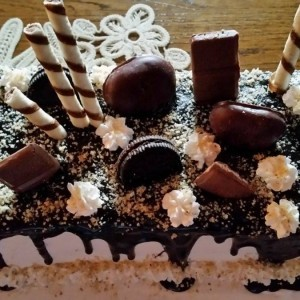 Чоколадна торта со вишни