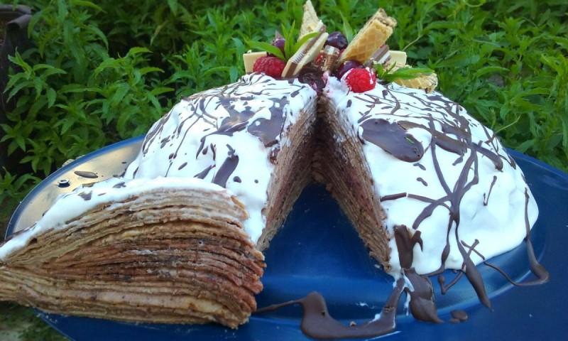 Торта од палачинки со вишни и чоколадо
