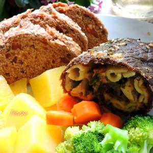 Телешки ролат со зеленчук на пареа
