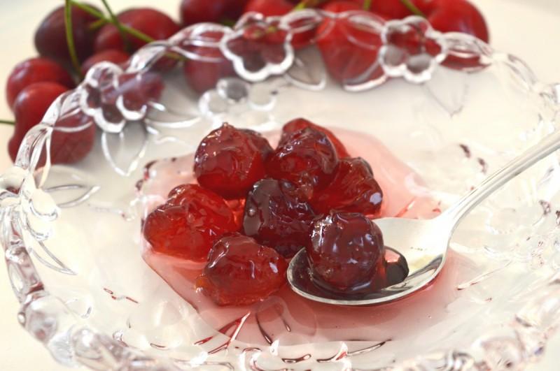 Старинско слатко од црвени цреши