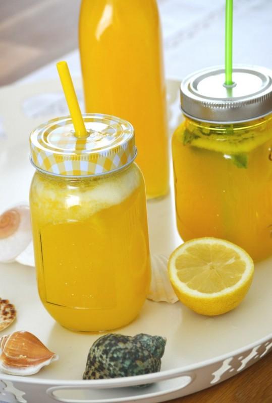Лимонада од манго и лимон