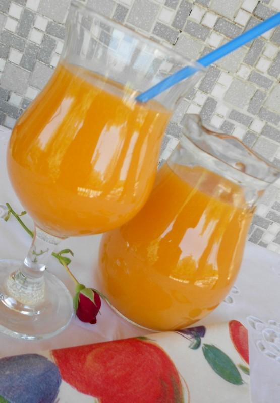 Домашен сок од кајсии