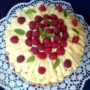 Торта малинест облак, со безе кори и маскарпоне сирење(без брашно) - 900 јубилеен рецепт